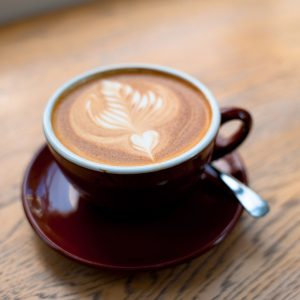Café Latte con arte en leche o art latte