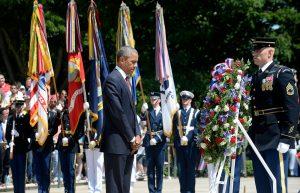 El presidente de los EE.UU, Barack Obama, conmemora el día de los caídos.