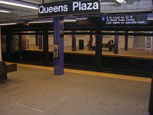 Estación de la línea IND (Plaza Queens)