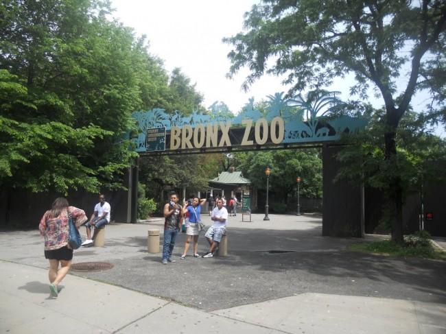 Fachada del Zoológico del Bronx