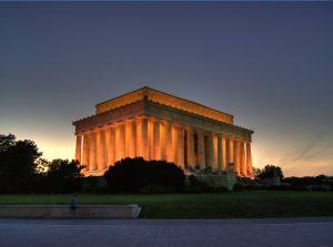 monumento a abraham lincoln de noche